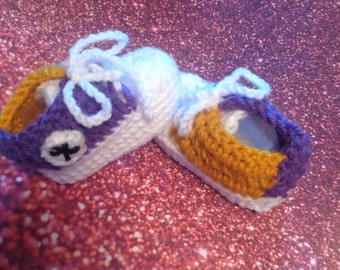 Crochet baby high top shoes