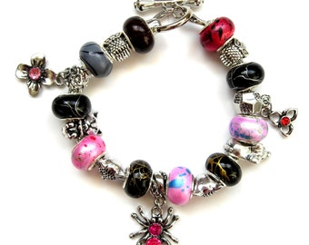 Superb bracelet beads resin Pearly and charms assorted strassees 19 cm.(7.48 inches).