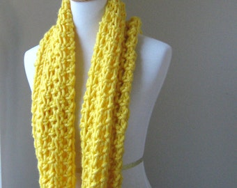 YELLOW CHUNKY Infinity SCARF Crochet Knit Neckwarmer // Cowl // Warm Scarf // Gift Idea For Her // For Him