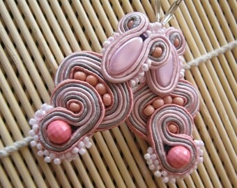 Handmade soutache earrings. Vegan friendly.