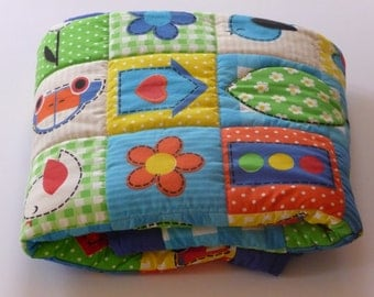 Baby quilt. Free shipping. Baby blanket. A gift for baby shower. Gift for birthday.