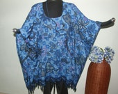 VINTAGE GARDEN LOOK in this Plus Size Tunic - Blues, black and a touch of fuchsia in an old fashioned floral design - great hemline, fringe