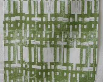 Tea towel green carved grid
