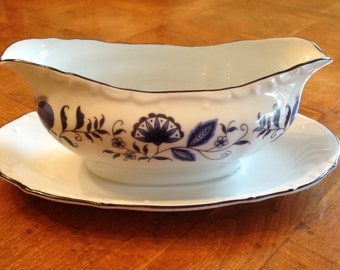 "Sone ""Blue Onion"" Gravy Boat and Attached Underplate"