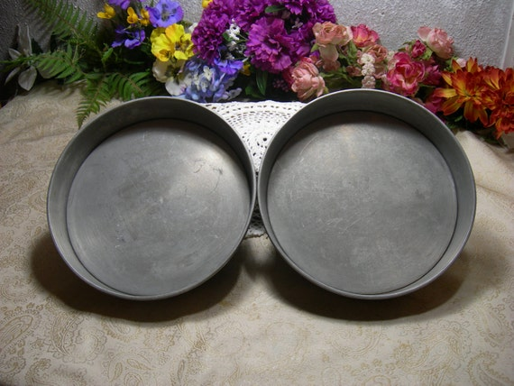 Mirro 9 X 1 5 Inch Round Cake Pans With Removable Bottoms