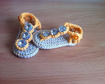 Jewel top crochet baby sandals