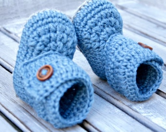 Blue baby booties wool
