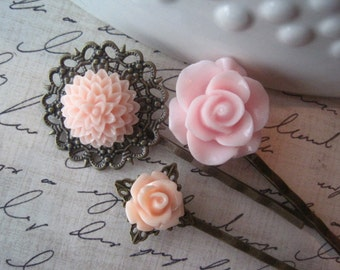 Pink Bobby Pin Set, Pretty Flower Hairpin, Prom Hair Accessory, Bridesmaid Gift, Vintage Style Accessory