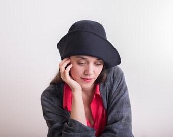 Black winter hat woolen tweed cloche women hat vintage style / handmade hat / Retro hat for her