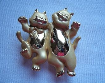 Vintage Signed AJC Gold/Matt Happy Cats Brooch