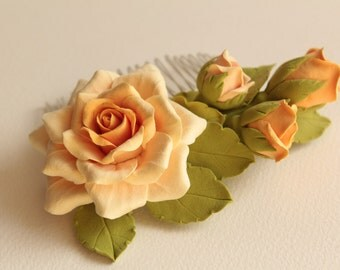 Hair comb polymer clay flowers. Cream rose with buds.