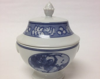 Estée Lauder Royal Chateau Porcelain Lidded Jar