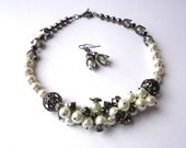 White and black.Pearl jewelry set.Gunmetal jewelry.Gunmetal necklace.Gunmetal earrings.Glass pearl jewelry.Pearl necklace.Pearl earrings.