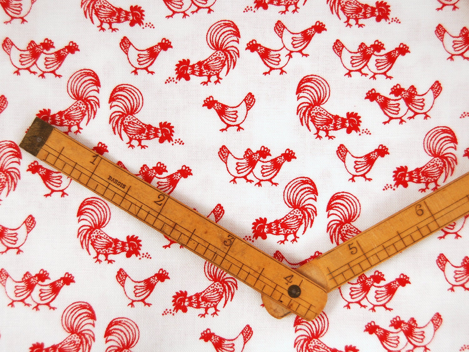 fat quarter chicken print fabric 100 cotton red on white