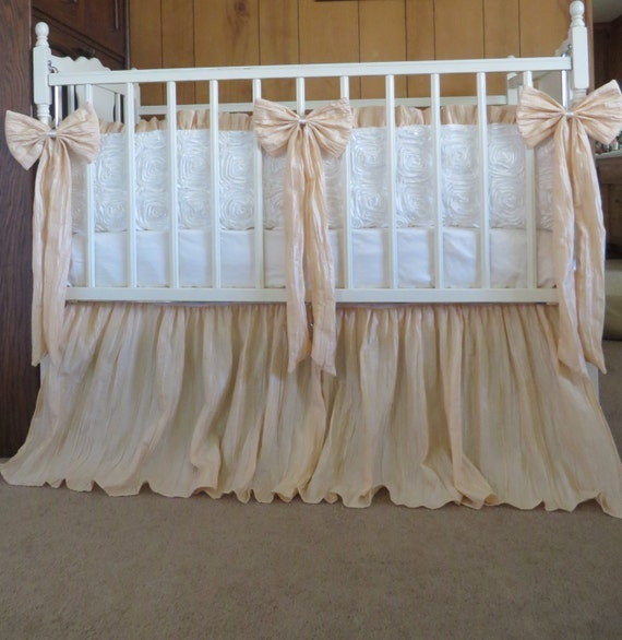Vintage Inspired Crib Bedding 110