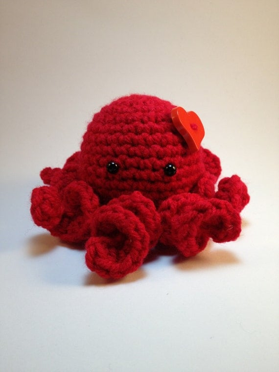 Red Amigurumi Heart Octopus by AutumnAmethyst on Etsy