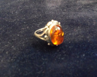 Baltic Amber / Sterling Silver vintage Ring