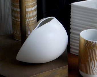 Rosenthal Vase White Matte Vase Studio Line Uta Feyl Modern Vase West German Abstract Sculptural Modernist