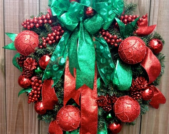 Traditional Christmas Red and Green Wreath