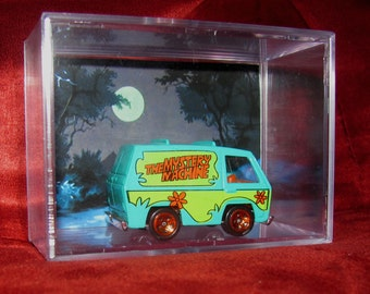 Scooby Doo and The Gang Mystery Machine Collectible (Inspired) Display/Cool Unique Item up for grabs!