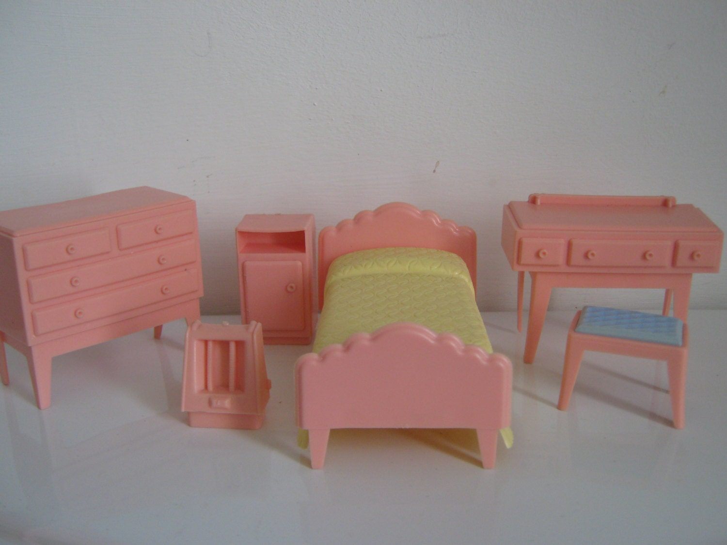 Kleeware 1950 39 S Plastic Dolls House Furniture