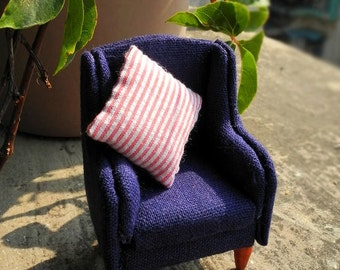 1:12 Scale Sofa with pillow PATTERN and photo instructions for your Dollhouse Miniature Furniture