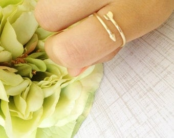 Gold Thin Adjustable Arrow Ring