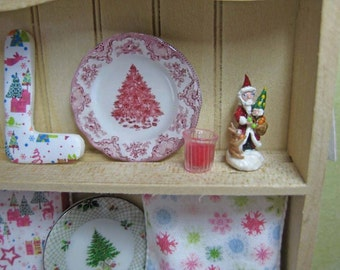 Christmas Pink Tree Plate for Dollhouse