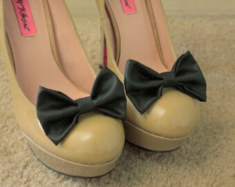Black Shoe Bows