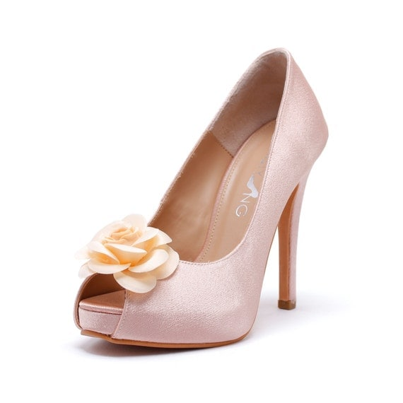 blush pink wedding shoes with flower day s