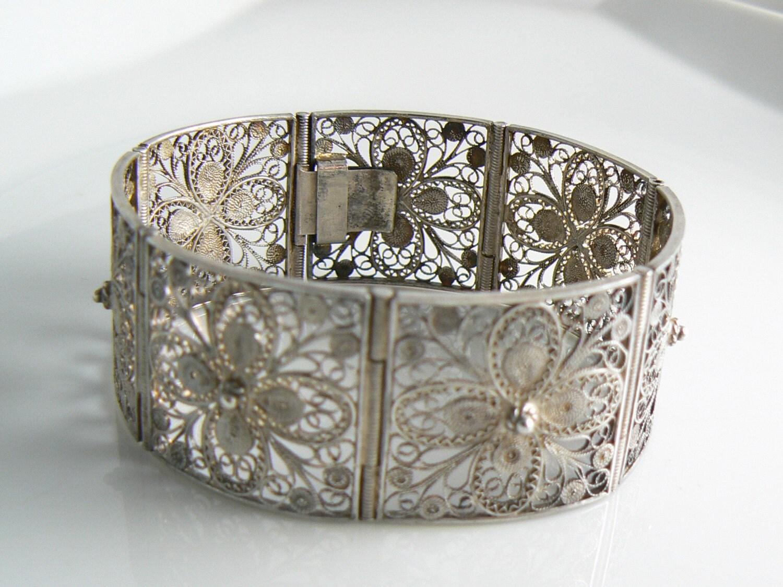 Vintage Fine Silver Filigree Hinged Bracelet Unique vintage