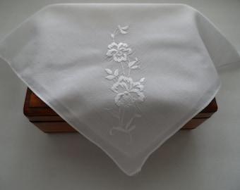 Vintage Bridal Bride Wedding White With Embroidered White Flowers Handkerchief Hankie Mid Century