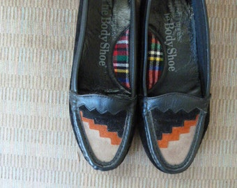 SALE awesome Hush Puppies circa 1980s moccasin style car shoes loafer with retro southwestern style  flats size 6
