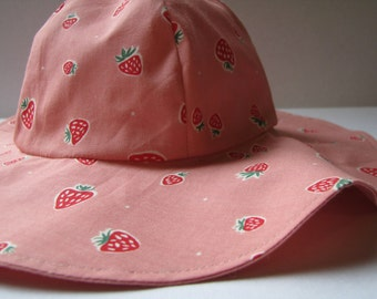 100% Organic Cotton Strawberries Toddler Wide Brim Sun Hat with Ties