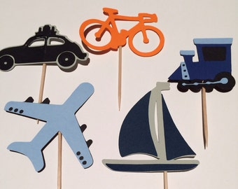 12 Travel themed cupcake toppers