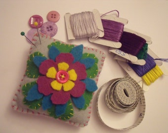 Felt Flower pincushion Button, pin cushion, sewing accessory, ready to ship, seamstress gift, novelty pin cushion, customised custom design
