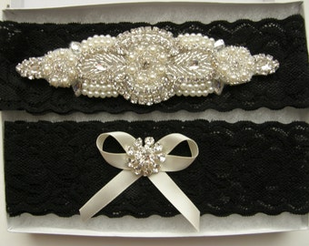 SALE / Garter / Crystal Rhinestone & Pearl Garter / Wedding Garters / Bridal Garter Set / Vintage Inspired Lace Garter