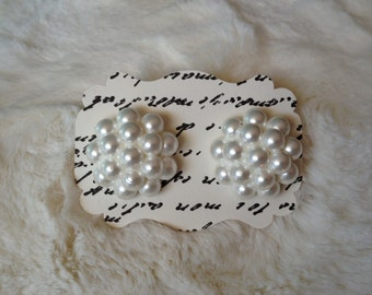Honeycomb pearl cluster studs