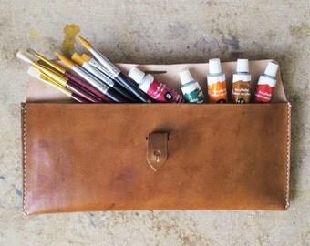 Pochette en cuir naturel artiste brosse, pochette de mariée, demoiselle d'embrayage, cadeaux de demoiselle d'honneur, pochette voyage, personnalisé cadeaux, cousu à la main