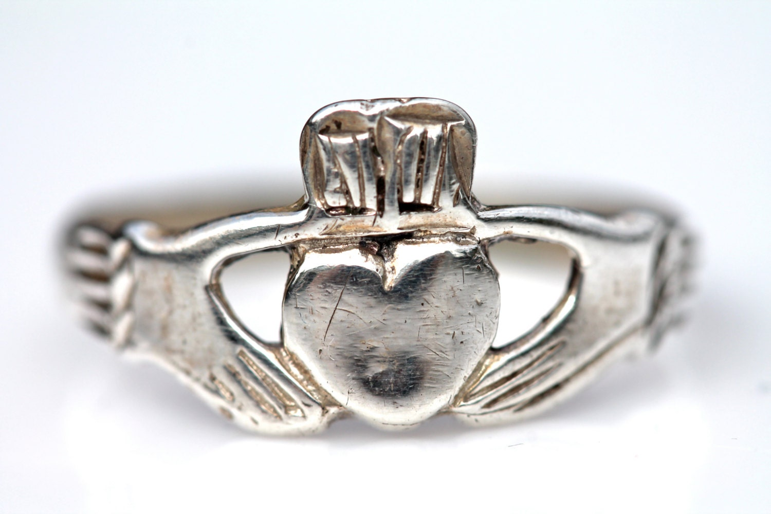 claddagh ring sterling silver vintage. Black Bedroom Furniture Sets. Home Design Ideas