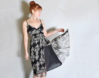 Black Friday 5 Dollar Sale V I N T A G E medallion print sun dress