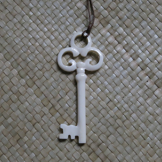 Large Gothic Key Bone Pendant, Bali Bone Carving, unique handmade jewelry from Bali