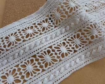 VINTAGE Lace Trim in white, Wide Cotton Lace, Retro Hollow Square Trim, Quilt Home Decor Costumes Sewing