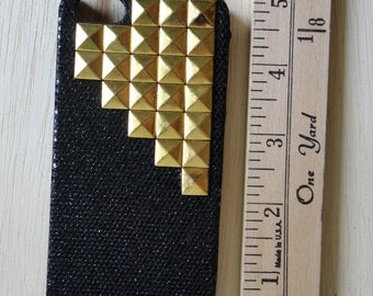 Glitter Pyramid Stud iPhone Case Iphone 4/4s/5/5s
