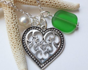 Kelly Green Sea Glass Necklace, Beach Glass Necklace, Sea Glass Jewelry, Beach Glass Jewelery, Heart Charm Necklace, Free Shipping in US.
