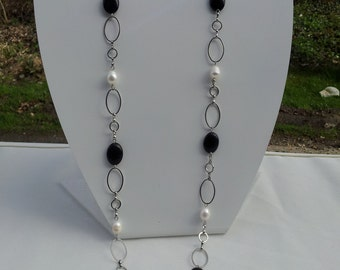 Handmade necklace with real fresh water pearl and gemstone #00N23