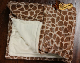 FUR ACCENTS Minky Cuddle  Fur Throw Blanket / Reversible / Brown Giraffe Cuddle