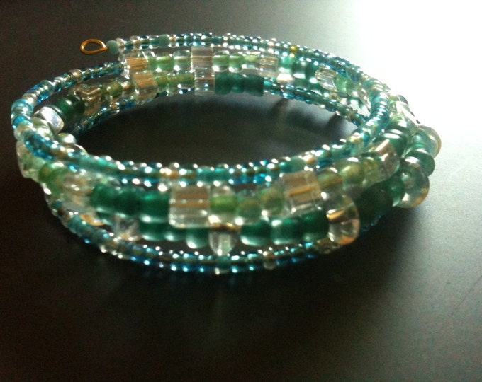 clearance! blue and green glass memory wire bracelet