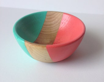 Eco friendly small wooden jewelry bowl, hand painted coral and turquoise, ring bowl, earring bowl, jewelry organization