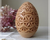Easter Egg - hand carved basswood egg, easter decoration, wooden pysanka / pisanka, chip carving European folk style, traditional art